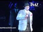 Vídeo: Ex de Whitney Houston faz tributo, mas estraga com palavrão