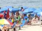 Sophie Charlotte curte dia de praia no Leblon, no Rio