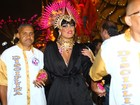 Ellen Rocche fica morena para desfile em São Paulo