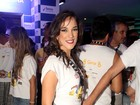 Adriana Birolli exibe as pernocas com microshort em Salvador