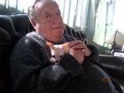 Roberto Bolaños, o Chaves, apresenta sua cachorrinha Lola