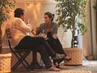 Cleo Pires toma cafezinho com amigo no Rio de Janeiro