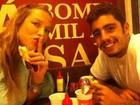 Luana Piovani faz lanchinho 'junk' à meia-noite e posta foto no Twitter