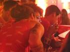 Sheron Menezzes se estranha com namorado após desfile na Sapucaí
