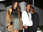 Ambrósio usa vestido que ressalta barrigão em festa pré-Oscar