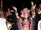 Renata Santos usa fantasia de rainha da Mangueira em bloco no Rio