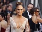 Site: Stylist de Jennifer Lopez defende vestido usado no Oscar