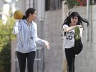 Tem que malhar! Selma Blair se exercita com ajuda de personal trainer