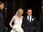 Carol Trentini não deixa postarem fotos de casamento na rede, diz jornal