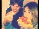 Gulosa! Sabrina Sato posta foto comendo pizza com o namorado
