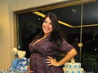 Prestes a dar à luz, ex-BBB Priscila diz no Twitter: 'Mamãe te espera ansiosa'