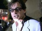 Vídeo: Charlie Sheen dá entrevista bêbado após show do Guns 'n' Roses