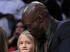 Após separação, Seal assiste a jogo de basquete com filha de Heidi Klum