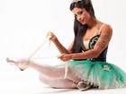 Dançarina do 'Faustão' exibe suas tattoos em fotos inspiradas em balé