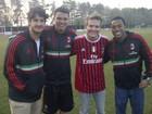 Michel Teló encontra Pato, Robinho e Thiago Silva em Milão