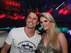 Ex-BBB João Maurício e Bárbara Evans vão a evento de moda