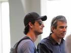Rodrigo Santoro circula por aeroporto de São Paulo
