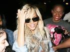 Rihanna é cercada por fãs em Nova York, nos Estados Unidos