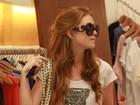 Marina Ruy Barbosa passeia com a mãe em shopping do Rio