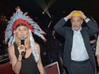 Heidi Klum encarna índio do Village People e solta a voz