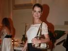 'Estou solteira e não quero homem', diz Alinne Moraes a revista