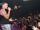 Naldo engorda o cofrinho com R$ 30  mil por show, segundo jornal