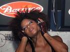 Adriana Bombom estreia como DJ