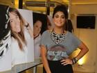 Juliana Paes promove seu salão de beleza