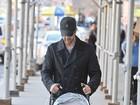 David Schwimmer, o Ross de 'Friends', passeia com a filha em NY