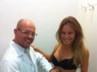 Ex-BBB Natália Casassola exibe barriga sarada em consulta médica