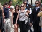 Zélia Cardoso de Mello leva filhos à cremação do corpo de Chico Anysio