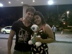 Eliminado do 'BBB 12', Jonas reencontra Analice no Rio