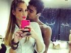Sophia Abrahão posa em clima de romance com Micael Borges