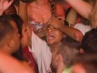 Neymar 'se joga' em balada no Guarujá, em São Paulo