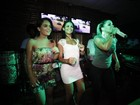 Após viver funkeira, Carol Macedo encontra Taty Princesa em show
