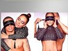 J-Lo posa com namorado vendado e sem camisa para promover single