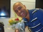 Rodrigo Sant'anna comemora aniversário em rádio do Rio