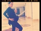 Dani Albuquerque posta foto de barrigão de oito meses de gestação
