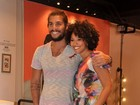 Dona da banca: Sheron Menezzes libera foto ao lado do namorado