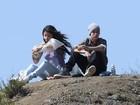Justin Bieber e Selena Gomez curtem piquenique romântico nos EUA