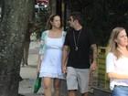 Românticos! Luana Piovani passeia com Pedro Scooby no Leblon