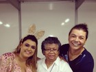 De coelha, Preta Gil recebe Marlene Mattos em camarim de show