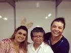 De coelha, Preta Gil recebe Marlene Mattos em camarim de show