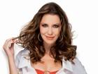Nathalia Dill corta guloseimas para fazer a Débora de 'Avenida Brasil'