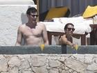Atores de 'Glee' curtem férias românticas no México