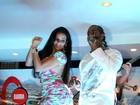 De vestidinho, Solange Gomes dança com Renatinho da Bahia no Rio