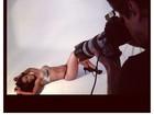 Ex-BBB Kelly mostra corpão em ensaio sensual