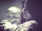Mariana Belém posta no Twitter foto ainda bebê no colo da mãe