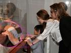 Angelina Jolie chorou quando Brad Pitt a pediu em casamento, diz site