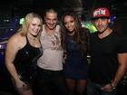Ex-BBBs Rafa e Yuri curtem noite com Jaqueline e Paulinha